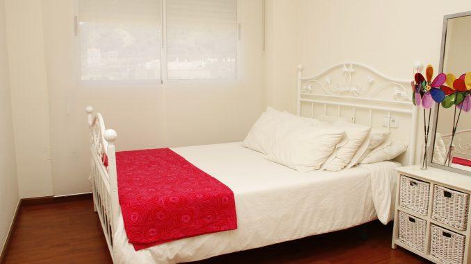Schlafzimmer Im Landhausstil Einrichten Der Richtige Bodenbelag. Boden,  Schlafzimmer